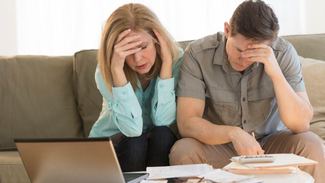Cómo acabar con las deudas ganando poco