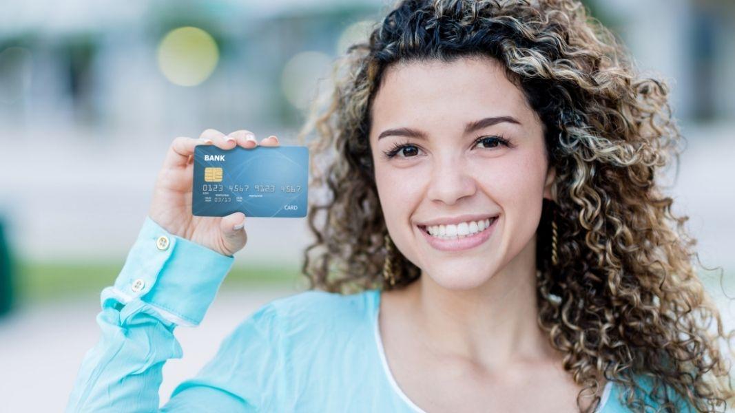 Consejos antes de solicitar tu primera tarjeta de crédito