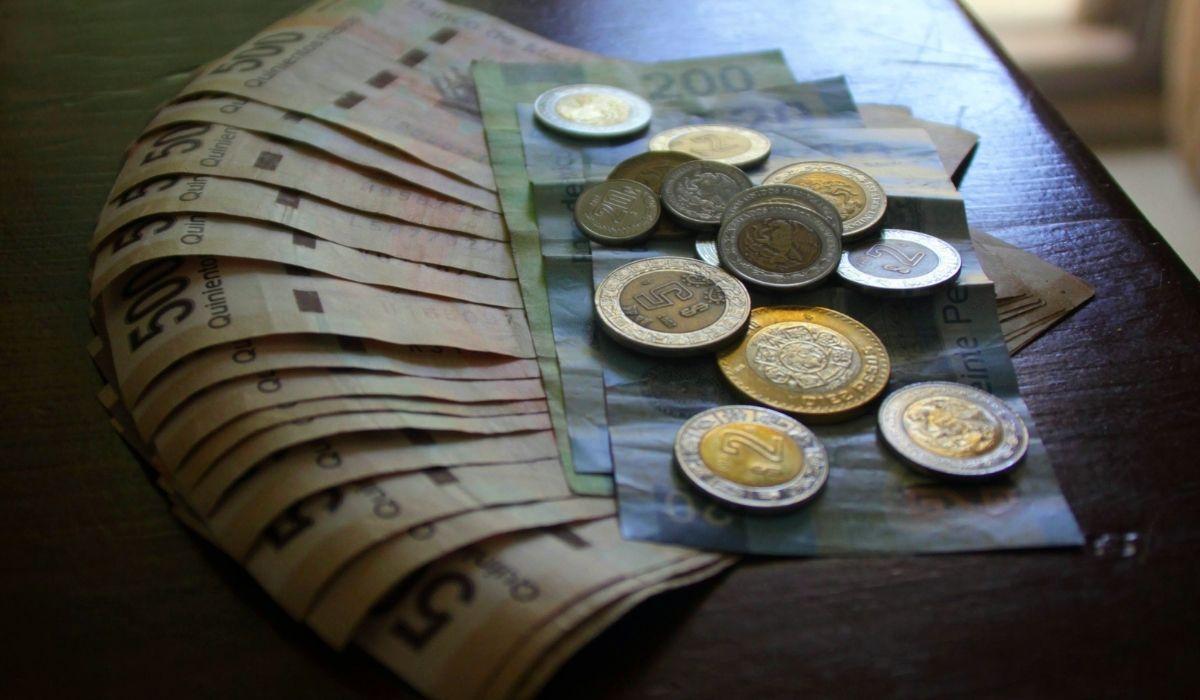 ¿Es posible pedir un préstamo de mi afore aunque se esté trabajando?